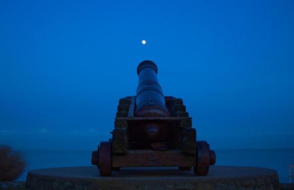 night-cannon-moon