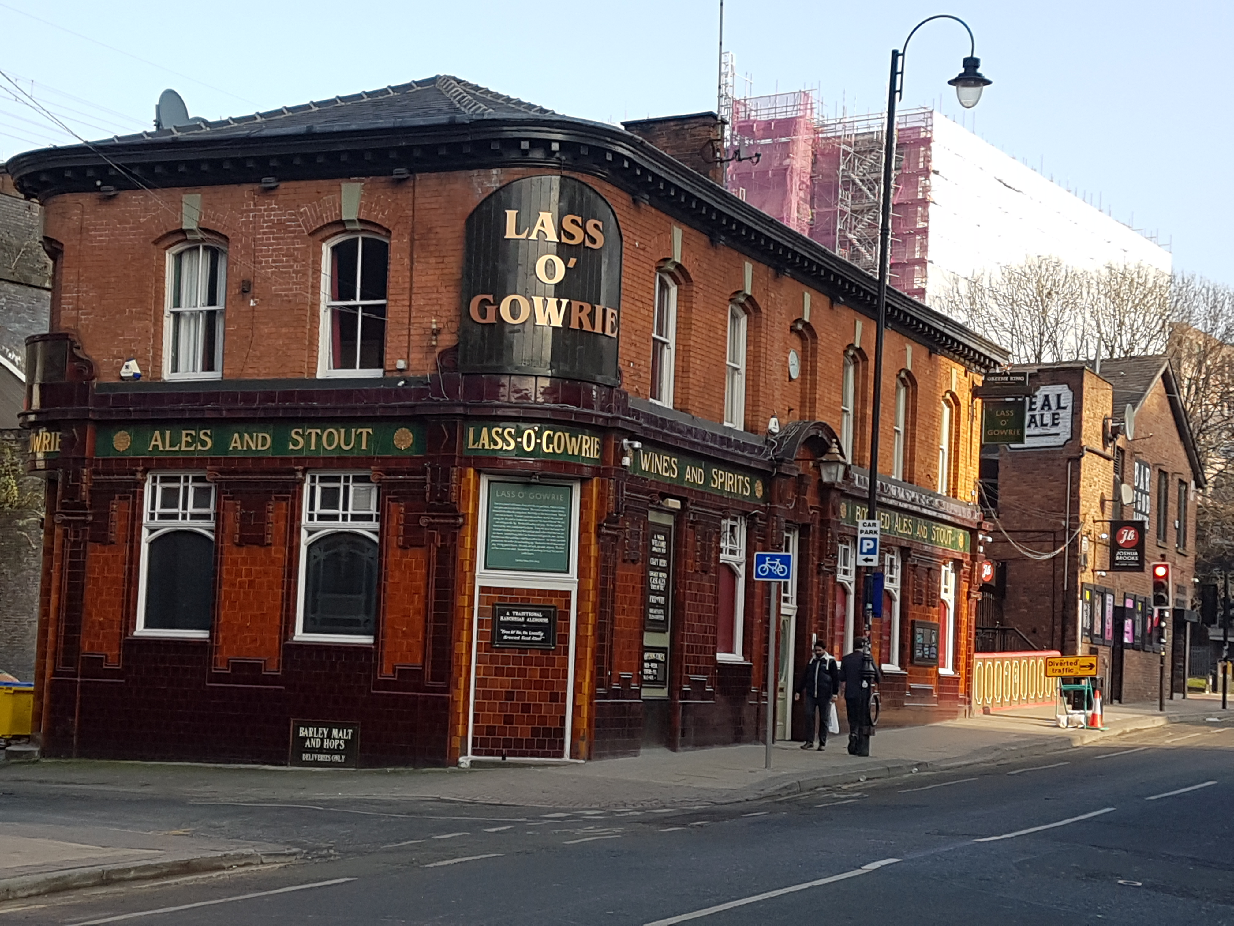 lass-o-gowrie-1