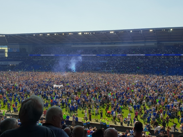 Pitch invasion [2]