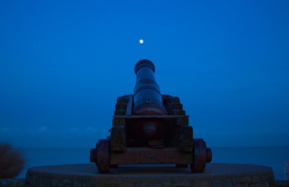 night-cannon-moon